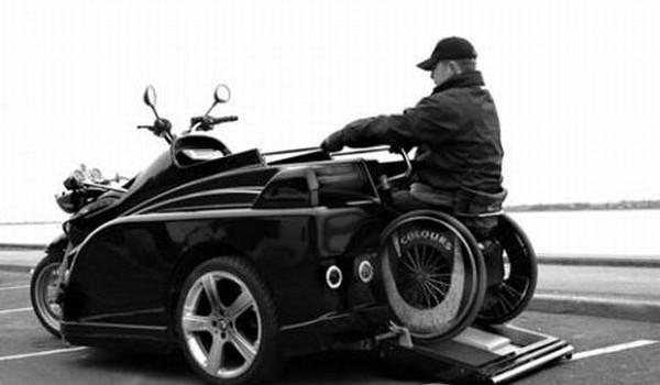 В идеале нужно было подобное - современный мотоэкипаж для инвалидов Martin Conquest