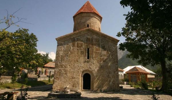 Древняя христианская церковь албанцев в Киш (Азербайджан), (фото: retlaw snellac).