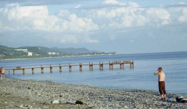 Километры пустынных участков Черноморского побережья.