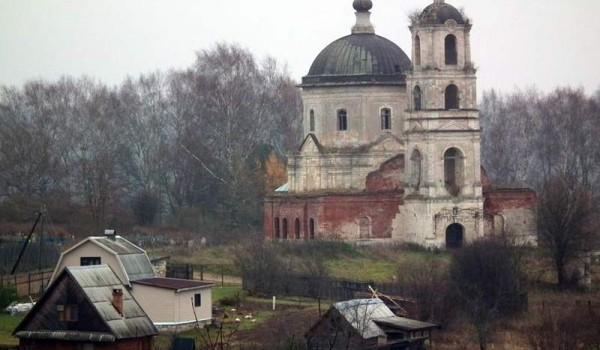 Село Дубровка в Тверской области. 2010 год.