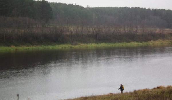 Река Волга в Тверской области еще небольшая. 2010 год.