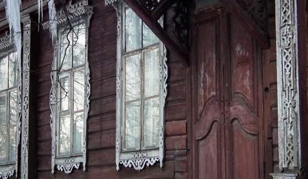 Зачем эта неудобная дверь жителям дома в Переславле-Залесском?