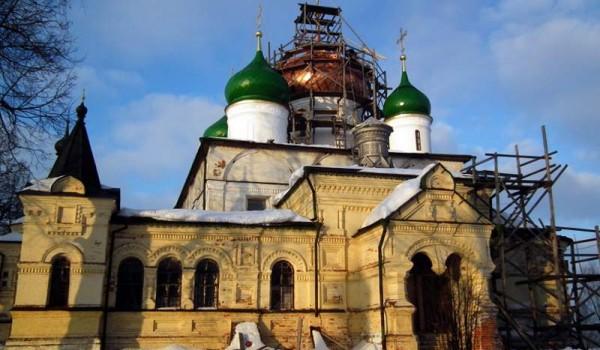 Реконструируемая церковь в Переславле-Залесском.