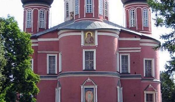 Главный собор Донского монастыря. Москва, 2005 год.