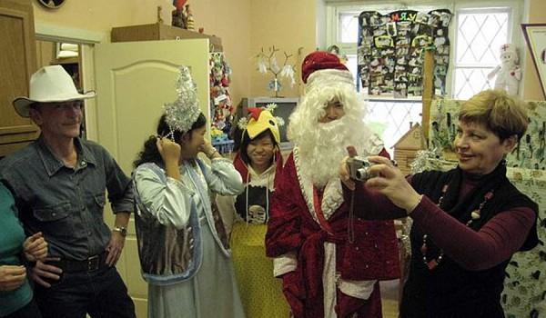 Приготовления к Новому году в детском доме. Новосибирск. 2010 год.