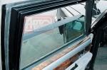 Стационарное остекление дверей и заднее стекло имело толщину 47 мм.