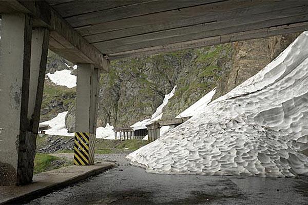 Снег на Фегереш лежит круглый год