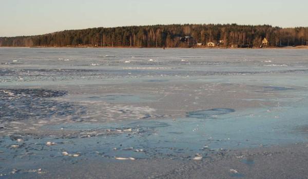 Обычный лед на Онеге (фото: jeffinmoscow).