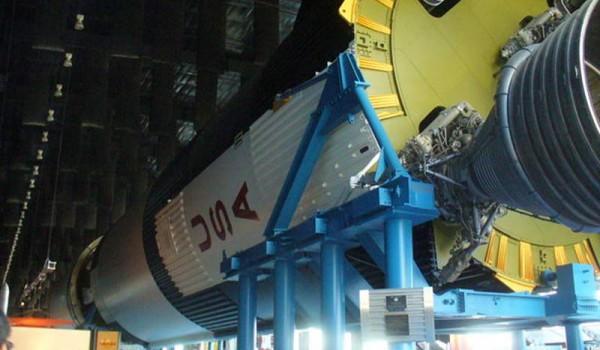 Весь комплекс Apollo 13 целиком.