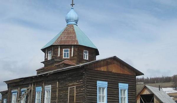 Деревянная церковь. Поселок Байкальское. 2010 год.