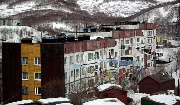 В таких домах живет большинство жителей Петропавловска-Камчатский.