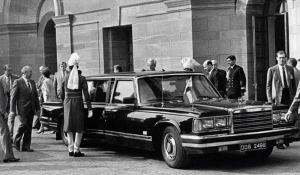 Бронированный ЗиЛ-41052 во время визита М.С. Горбачёва в Индию.